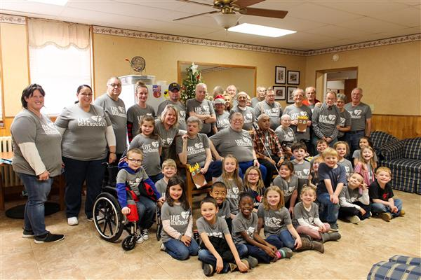 Roby's Class Spreads Holiday Cheer at Golden Meadows